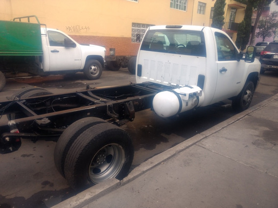 Chevrolet 3500 Chasis Cabina
