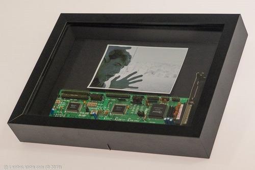Porta Retrato Com Placa Sucata Serial Winbond Reciclada