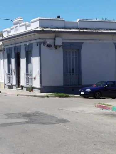 Casa 3/4 Dormitorios Y Baño