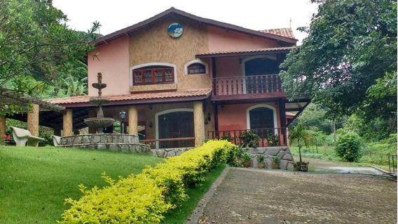 Sítio Na Serra De Mulungu,com 14 Hectare Com Quatro Casas.