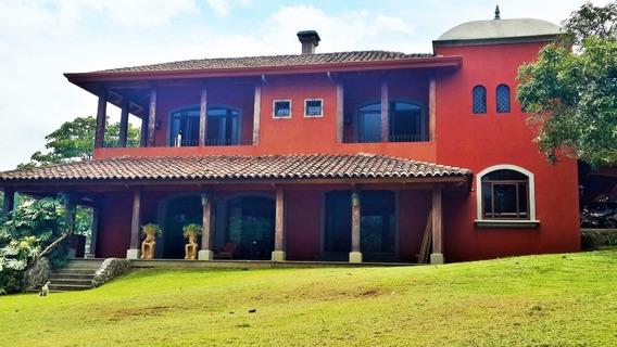 Casa Familiar De Lujo En Venta - Oferta De Oportunidad