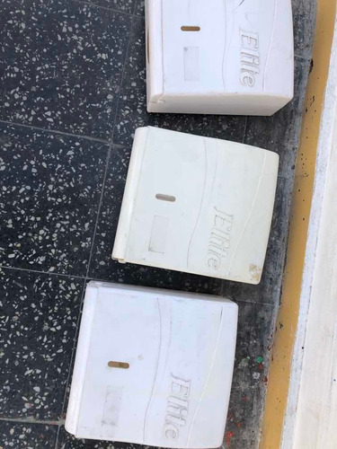 Dispensador Papel Toalla Elite Interfoliado Semi-nuevos