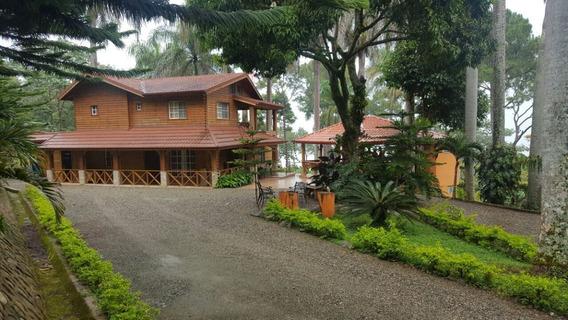 Villa Con Jacuzzi De Venta En Cercado Alto Jarabacoa Rmv-166