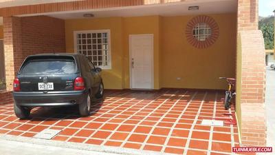 Townhouses En Venta 04128969771