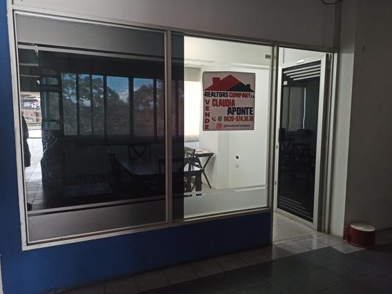 Local U Oficina En El Centro Comercial El Pinar