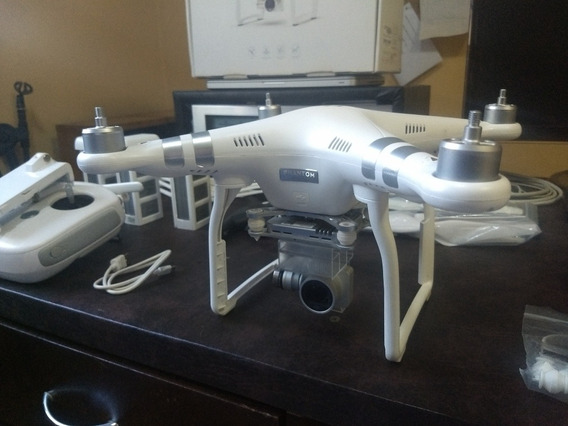Drone Dji Phantom 3 Advanced - 2 Baterias + Acessórios