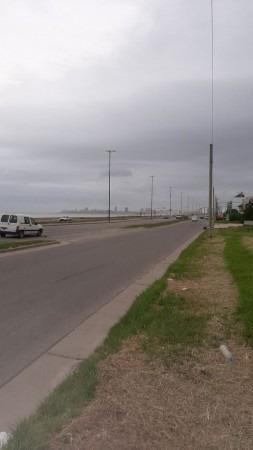 Imagen 1 de 3 de Importante Terreno En Venta Frente Al Mar Barrio Zacagnini