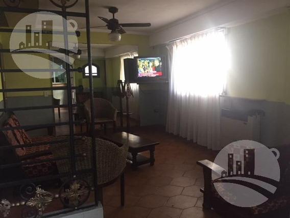 Hotel 46 Hab.