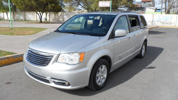Chrysler Town Country Touring 2012