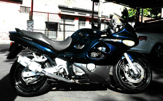 Motocicleta Suzuki Gsx 750 F 2005/06