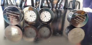 Reloj Doble- Plegable Allen & Overy (original)
