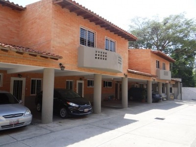Mh Vende Townhouse Mañongo 300128