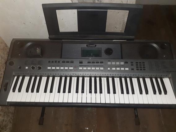 Piano Yamaha E443