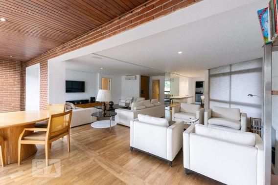 Apartamento No 1º Andar Mobiliado Com 3 Dormitórios E 3 Garagens - Id: 892975016 - 275016