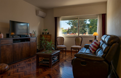 Apartamento 2 Dormitorios En Pocitos Con Cochera/