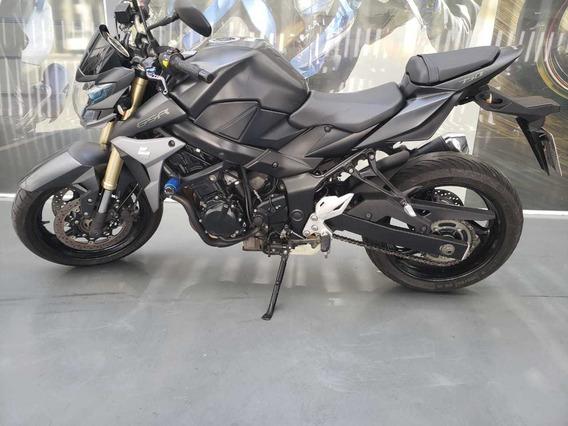 Suzuki Gsr750 - Linda (faby)