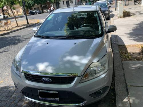 Ford Focus Ghia 5p