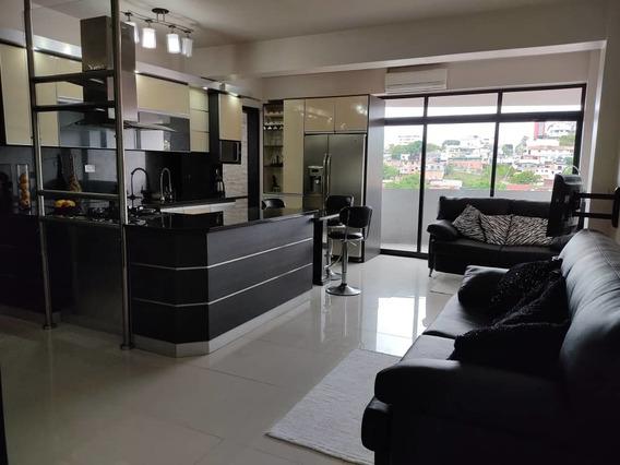 Apartamento Amoblado/ Las Acacias