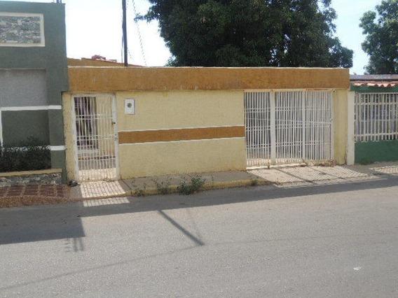 Casas En Venta. Morvalys Morales Mls #19-15418