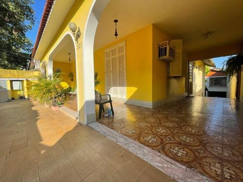 Vende Terreno Com 3 Casas Na Rua Parintins, Praça Seca. - Ca00141 - 34608432