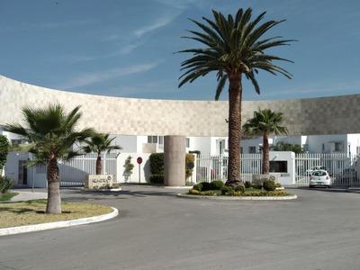 Casa En Villa De Pozos, En Perfecto Estado, En Privada