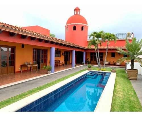 Casa En Fraccionamiento En Real De Tetela / Cuernavaca - Via-478-fr