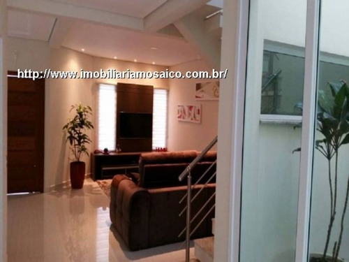 Imagem 1 de 15 de Casa Assobradada, Nova, Permuta Casa Em Condomínio Fechado, 03 Dormitórios, 01 Suite, 04 Vagas, Churrasqueira, Quintal - 94826 - 4492160