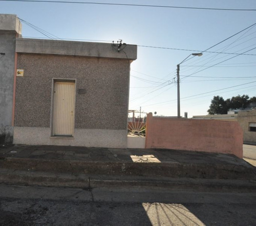 Casa En Venta De 3 Dormitorios En Minas