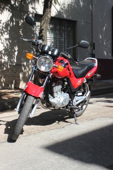 Suzuki En125 Roja, Modelo 2013