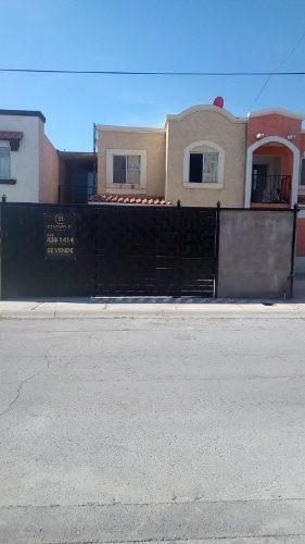 Hermosa Casa En Fraccionamiento Con Mas De 1200m De Parque