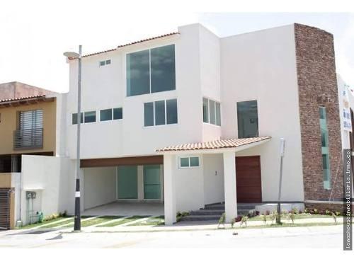 Casa Lomas Verdes 6ta Seccion