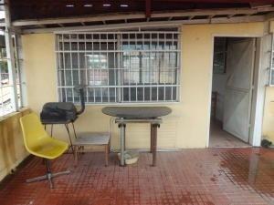 Apartamento En Venta Cabudare Centro, Palavecino. Al 20-929