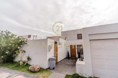 En Venta Hermosa Casa En Condominio La Portada