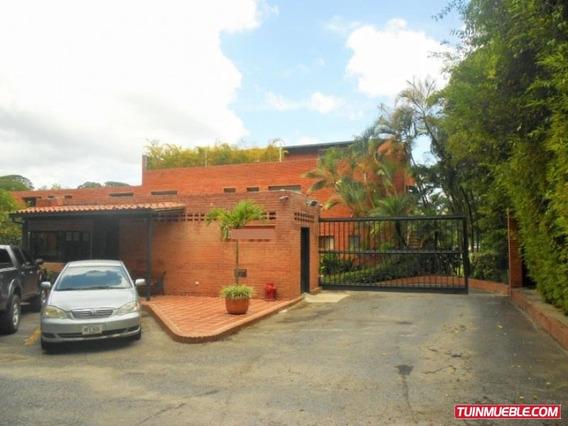 Código # 908 Townhouse En Alquiler En La Unión.