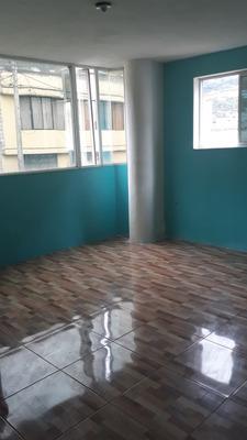 Se Arrienda Un Departamento Al Sur De Quito Int: 0988811669