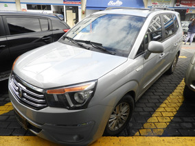 Ssangyong Rodius 2015 Automatica Diesel 4x2 2.0 Rfe