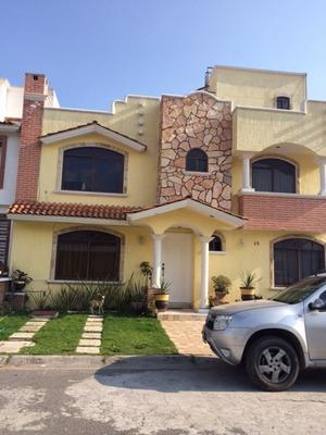 Remato Hermosa Casa Grande De 6 Recámaras Y 5 Baños.