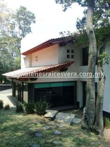 Casa En Venta En Fracc. Hacienda De Valle Escondido, Edo. Mx