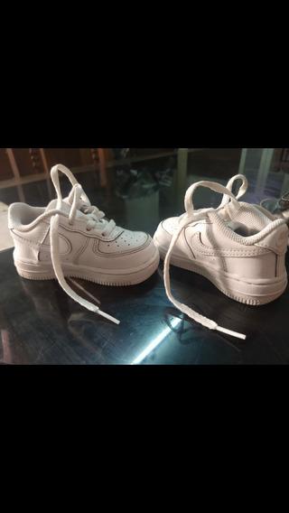 Zapatillas Nike Blancas . Talle 20