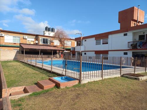Imagen 1 de 6 de Departamento De 2 Dormitorios Villa Carlos Paz