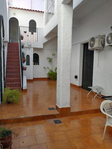 Casa Sobre Terreno 8,66 X 23, 165m2 Cub, Gran Patio, Terraza, Play-room Con Parrilla - Villa Urquiza