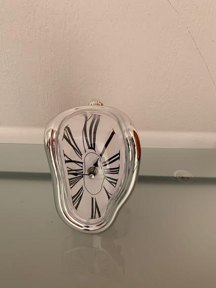 Reloj Estilo Surrealista Salvador Dalí
