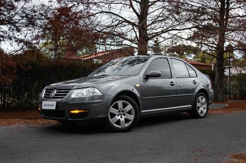 Volkswagen Bora Trendline 2.0 - Motorland Permuto / Financio