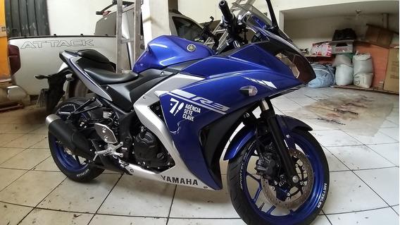 Yamaha R3 Azul Seminova