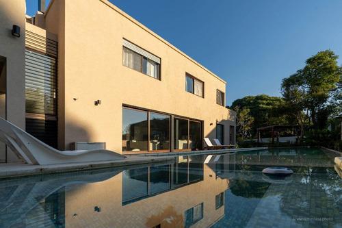 Importante Casa En Venta Las Lomas-santa Rita! Moderna E Impecable!