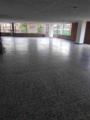 Oficina Para Arriendo En San Fernando - Bogota