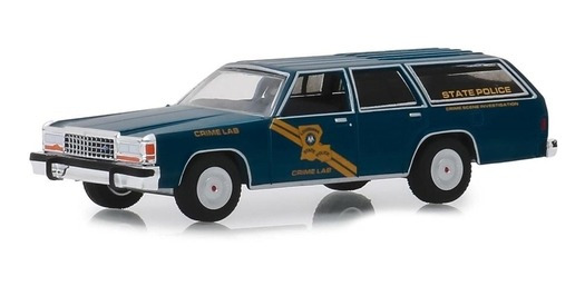 Greenlight Hot Pursuit 1987 Ford Crown Victoria Wagon 1:64