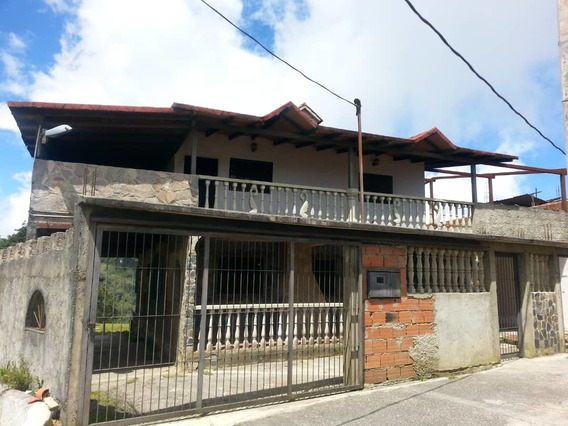 Se Vende Casa/chalet 750m2 4h/4b/5p El Junquito