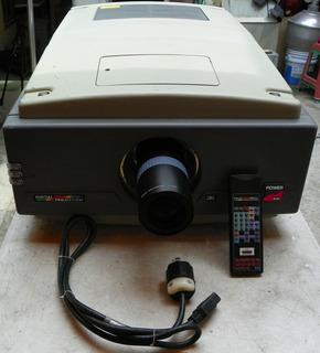Projector Profecional Para Eventos Al Aire Libre 220 Volts