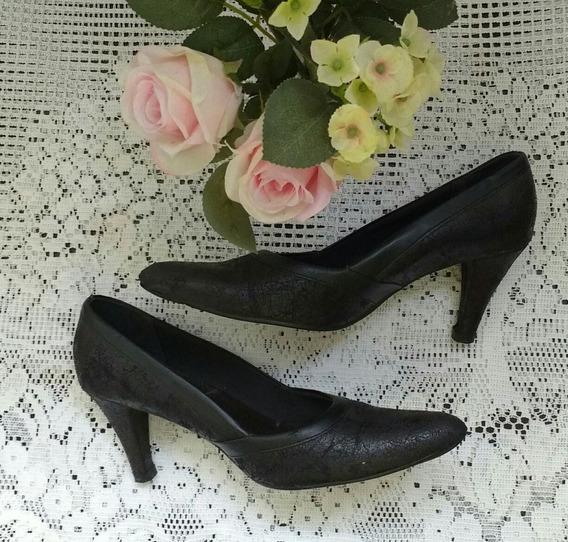 Sapato Preto Scarpin Tam 37 Piccadily Couro